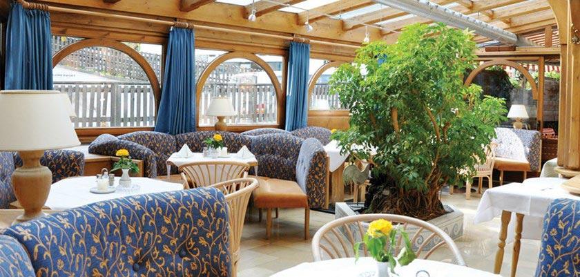 Alpenhotel Kramerwirt, Mayrhofen, Austria - conservatory.jpg